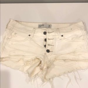 abercrombie and fitch white denim shorts size 4
